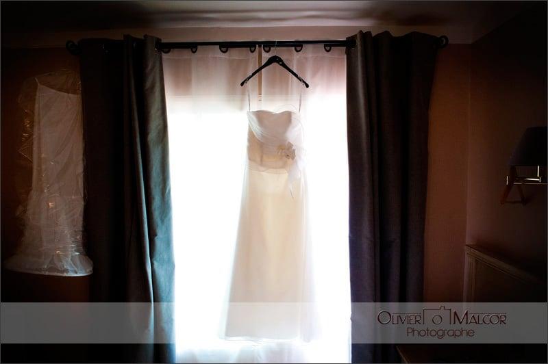 Photo de la robe de la marié durant les préparatifs