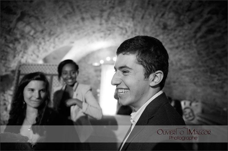 Le sourire des invités durant le cocktail.