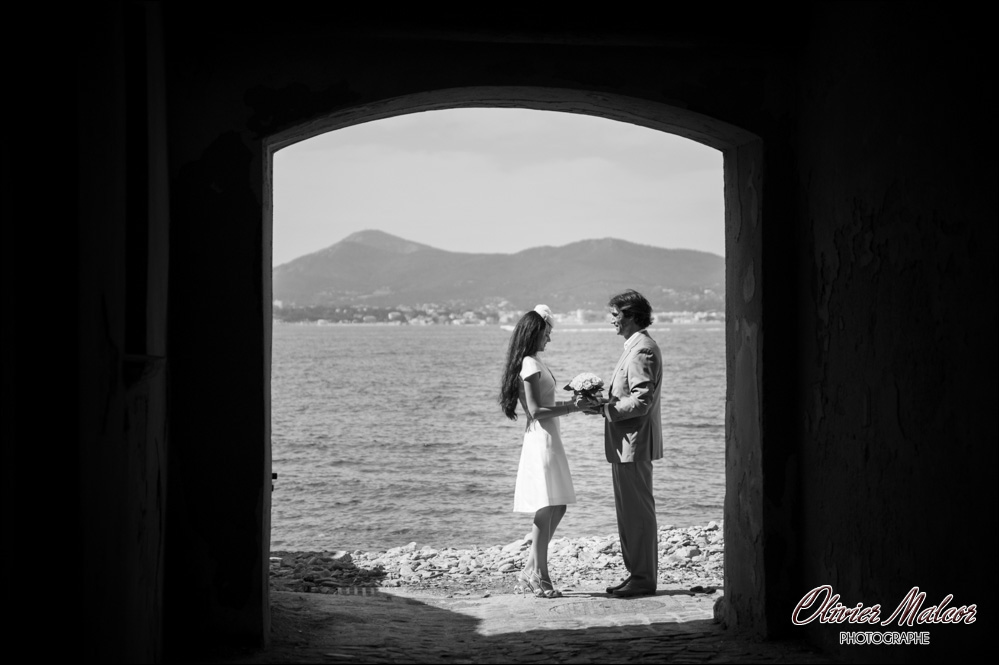 Moment d'intimités entre durant le mariage.