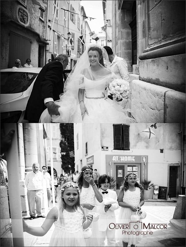 Belle arrivée de la marié à l'église