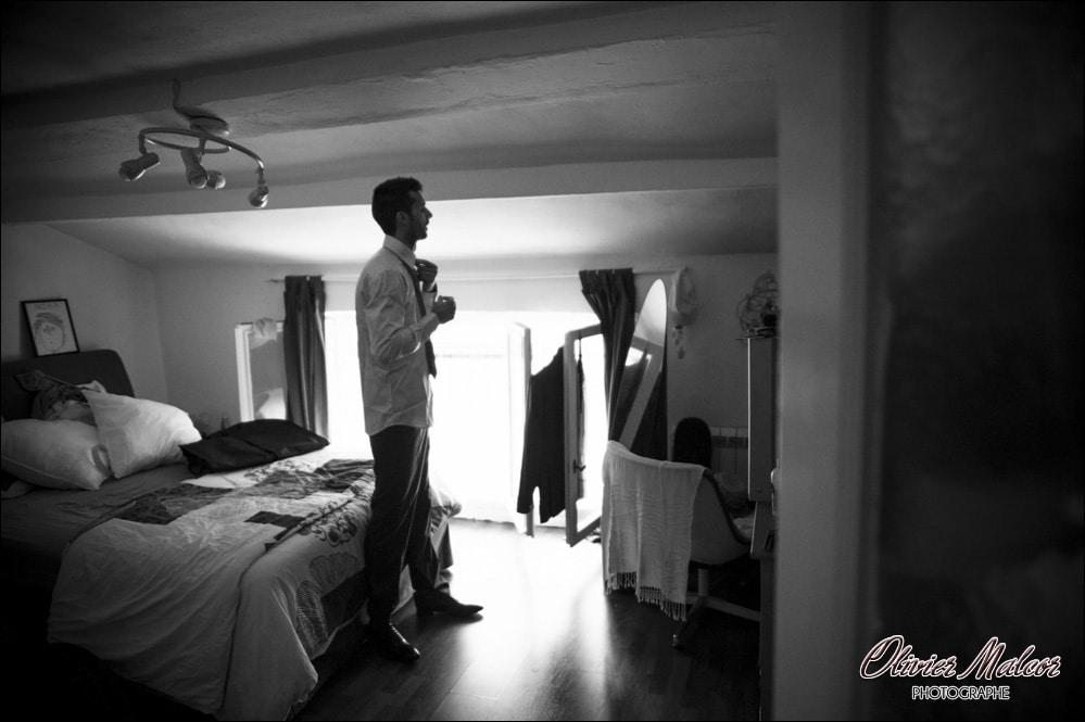 Photographe de préparatifs du marié vers Nice