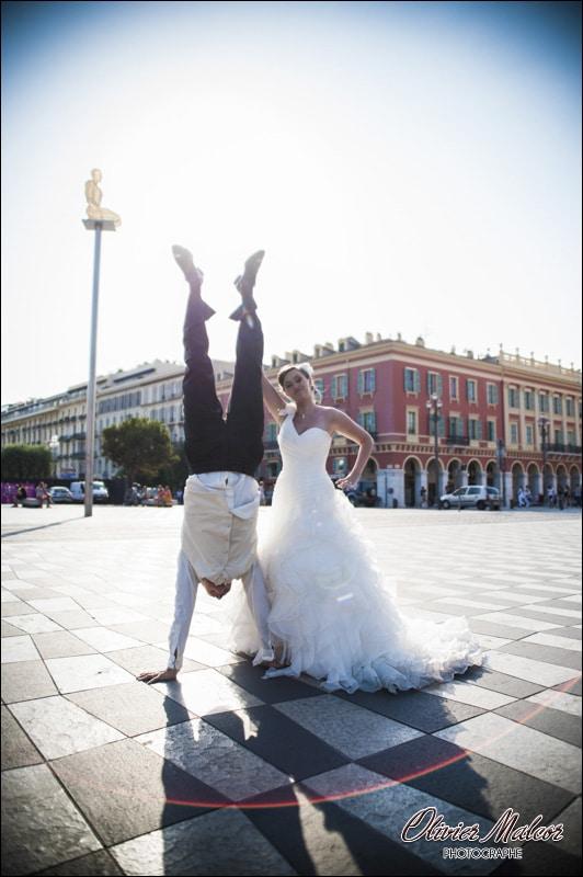 Photo de couple place Massena à Nice