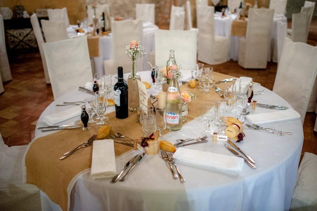 Décoration salle de mariage à Saint Bacchi